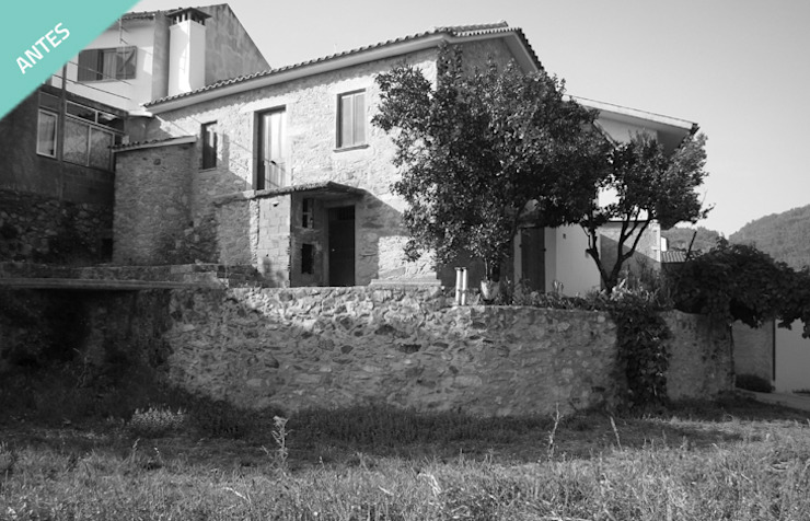 Casa Sever do Vouga por OFICINA - COLECTIVO DE IDEIAS, LDA Minimalista