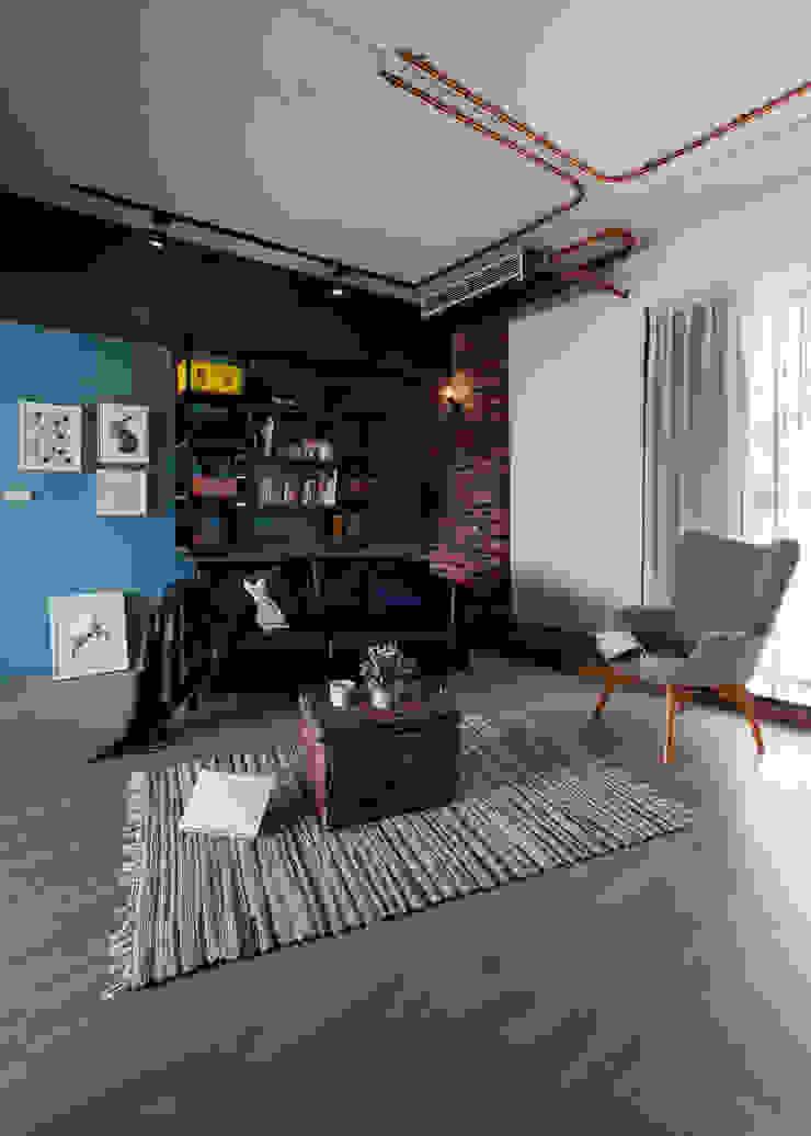 健身房與咖啡廳,在我家: 產業  by 苑茂室內設計工作室, 工業風