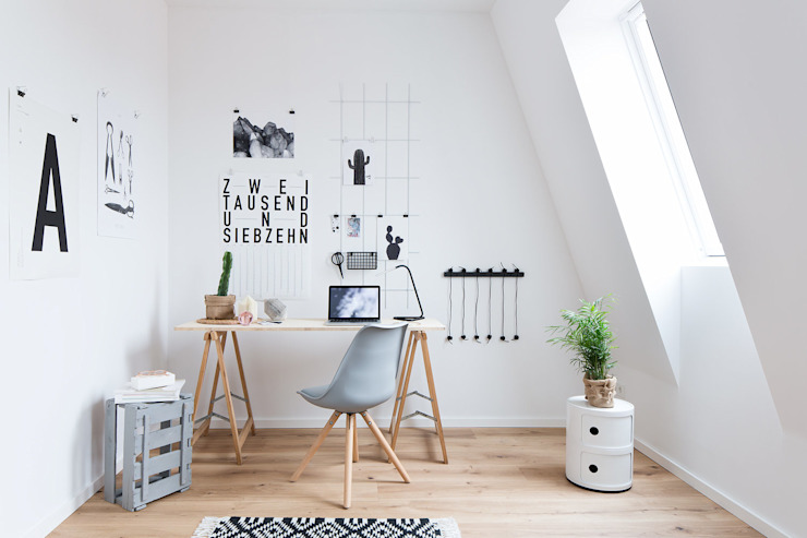 Office space by SALTY INTERIORS