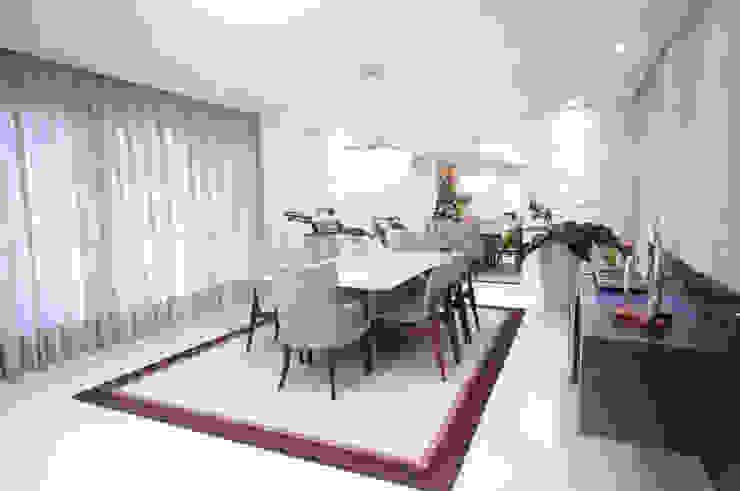 Sala de jantar Haus Brasil Arquitetura e Interiores Salas de jantar ecléticas MDF Roxo/violeta