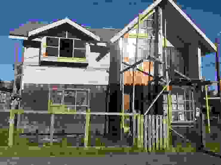 REVESTIMIENTO 4 Casas de estilo rural de GerSS Arquitectos Rural