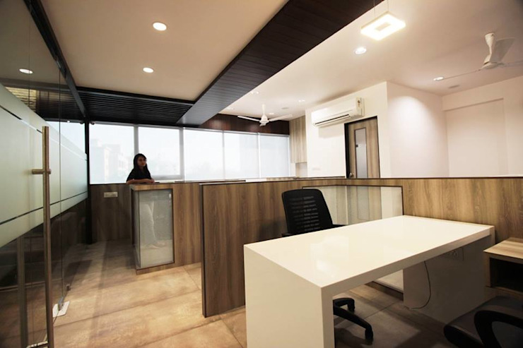 OFFICE Modern study/office by studio 7 designs Modern