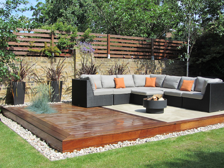 Outdoor garden lounge:  Garden by Christine Wilkie Garden Design,