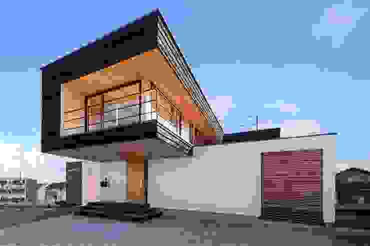 โดย STaD(株式会社鈴木貴博建築設計事務所) โมเดิร์น