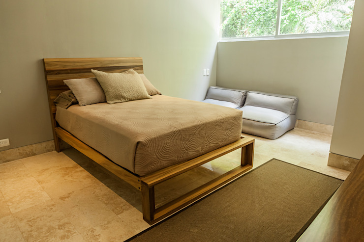 Modern style bedroom by MORADA CUATRO Modern
