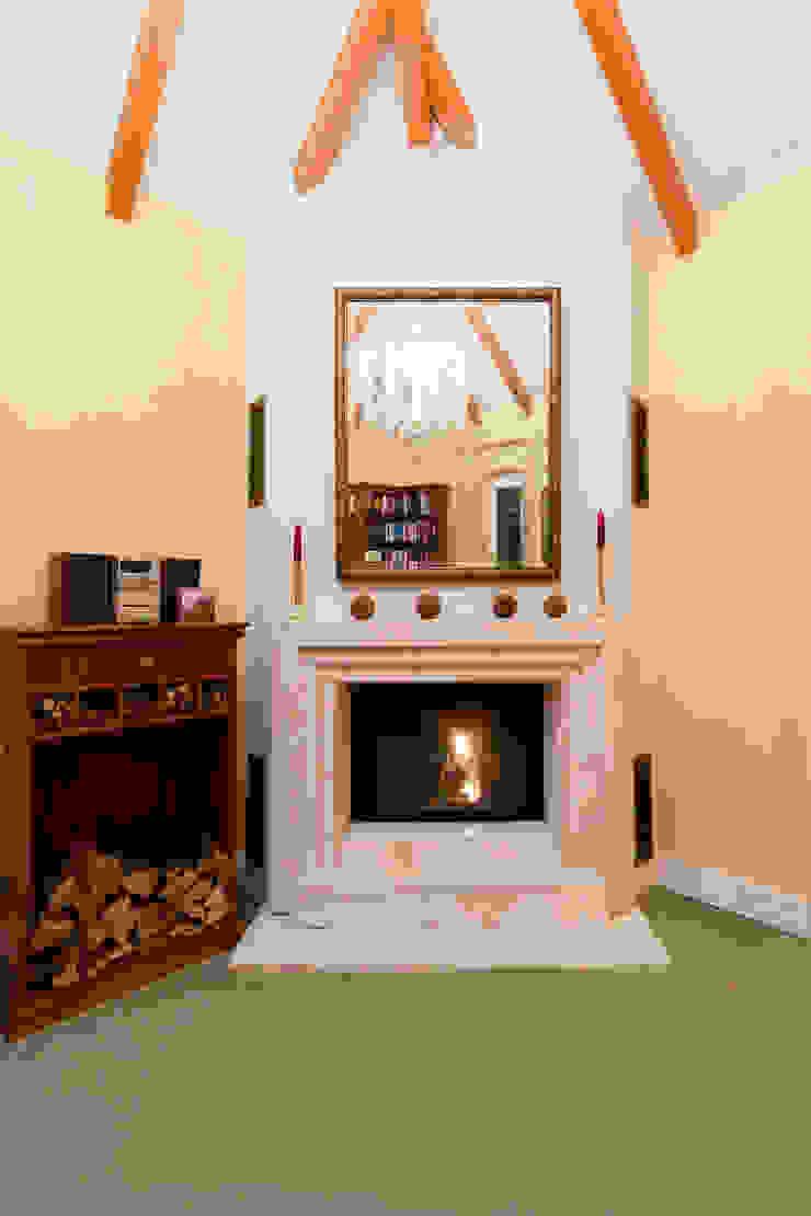 Salas de estar clássicas por Pamela Kilcoyne - Homify Clássico
