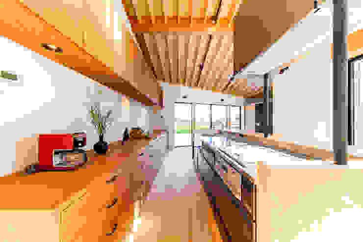 Kitchen STaD(株式会社鈴木貴博建築設計事務所) モダンな キッチン