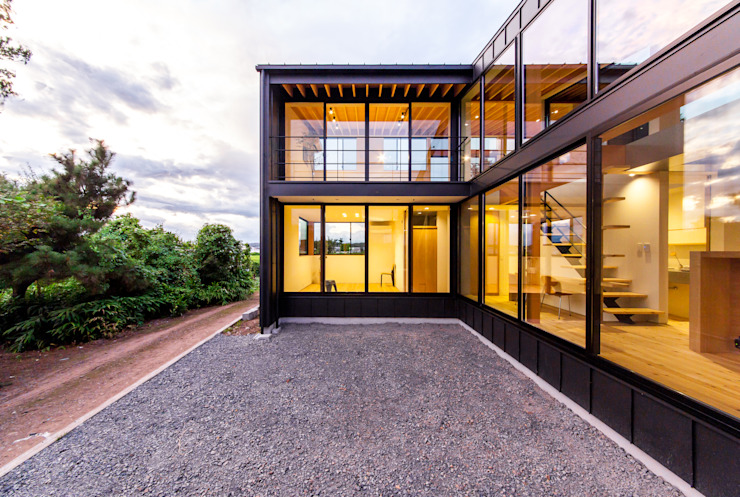 Rumah Modern Oleh STaD(株式会社鈴木貴博建築設計事務所) Modern