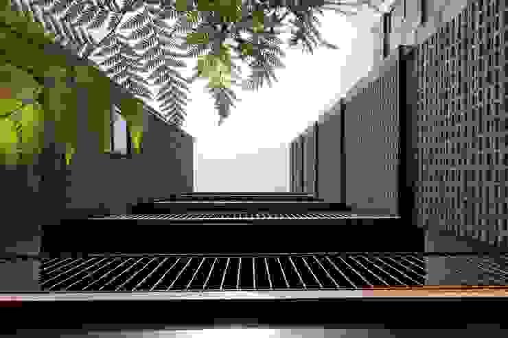 Pasillos de Comunicación Pasillos, vestíbulos y escaleras modernos de Wolff Arquitectura Moderno Ladrillos