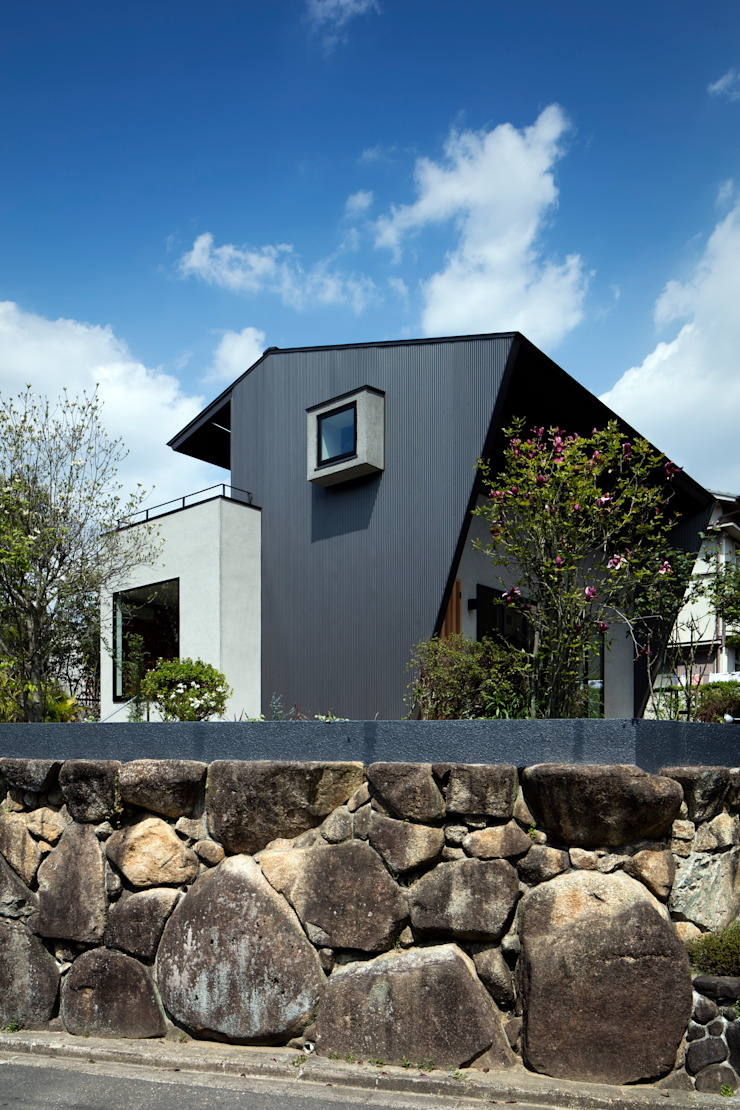 Maisons originales par 井上久実設計室 Éclectique