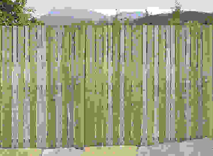 Minimalist style garden by Braun & Würfele - Holz im Garten Minimalist Wood Wood effect