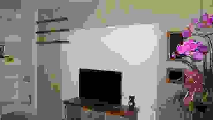 初啼 - 台南麻豆 -新成屋 喜家成室內裝修設計有限公司(原:高筌室內設計) 客廳