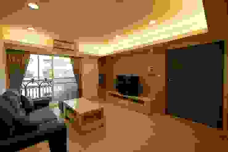 孝心 - 台北大安 - 舊屋翻新 根據 喜家成室內裝修設計有限公司(原:高筌室內設計) 簡約風