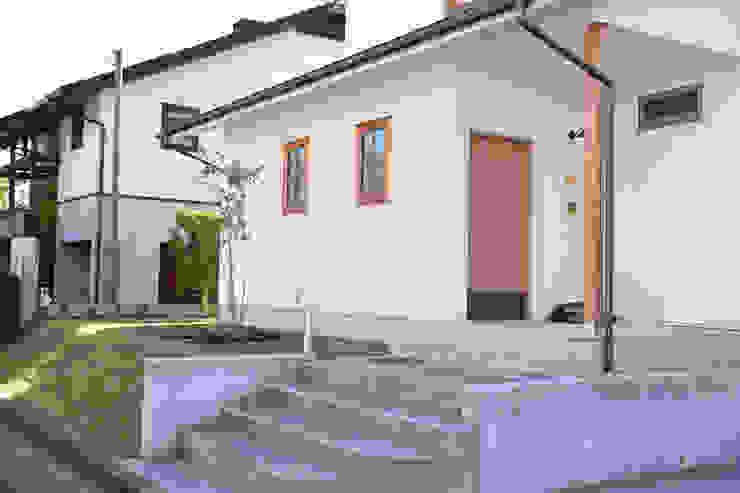 Casas modernas de さくま建築設計事務所 Moderno Madera Acabado en madera