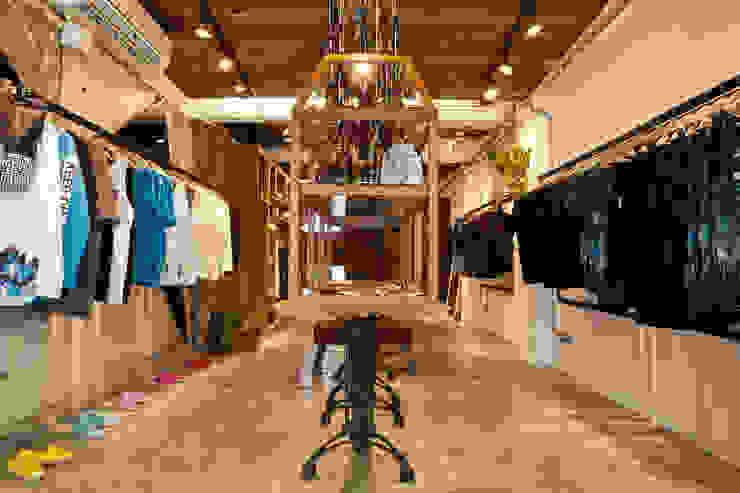 吳克羣DEBRAND品牌旗艦店 光島室內設計 商業空間 實木 Wood effect