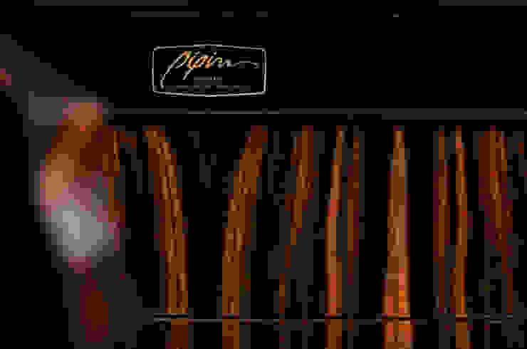 THE NADIR SIDEBOARD por Pipim Studio Moderno Madeira Acabamento em madeira
