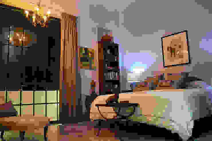 Casa 56 Dormitorios coloniales de Workshop, diseño y construcción Colonial