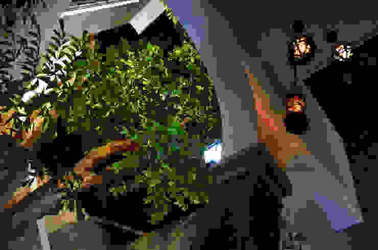 Casa 56 Balcones y terrazas coloniales de Workshop, diseño y construcción Colonial