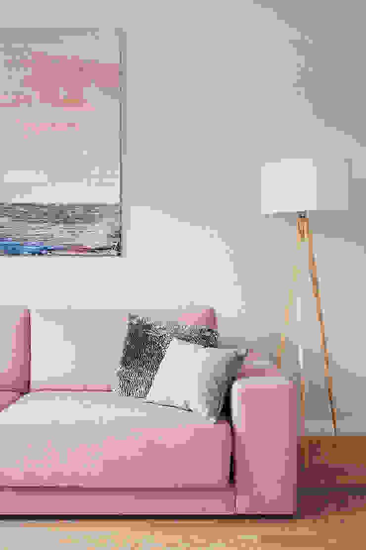 Salas de estar escandinavas por ZAZA studio Escandinavo