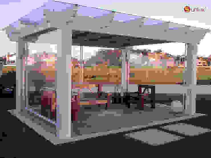 Toldo de Proyección modelo Terrace de Vertilux México Moderno