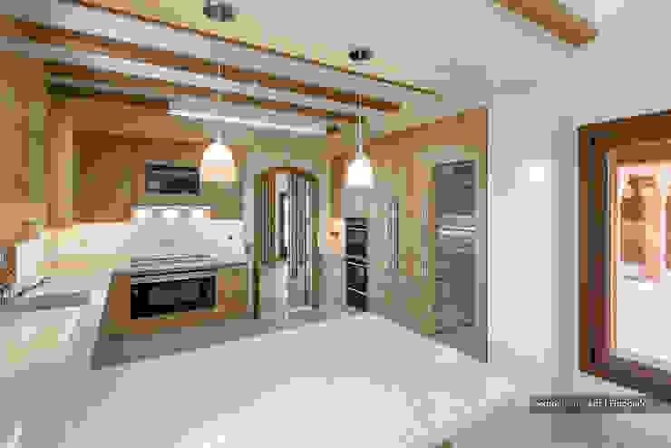 Mediterranean style kitchen by Pedro Queiroga | Fotógrafo Mediterranean