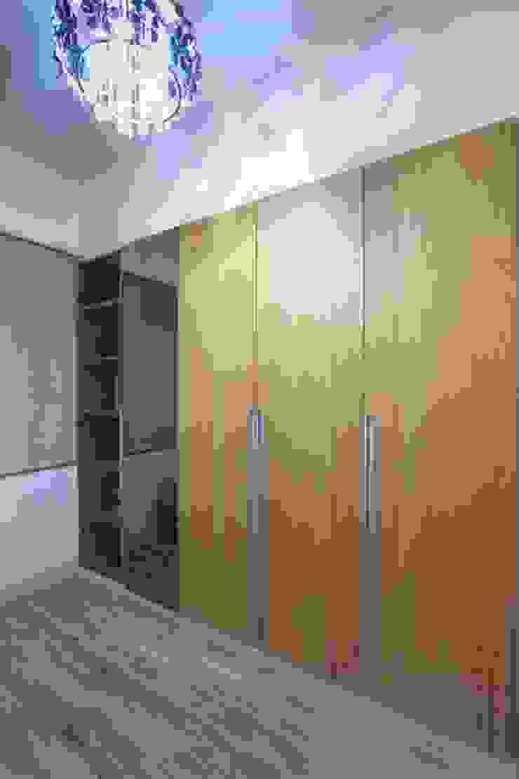 Moderne Ankleidezimmer von 微自然室內裝修設計有限公司 Modern