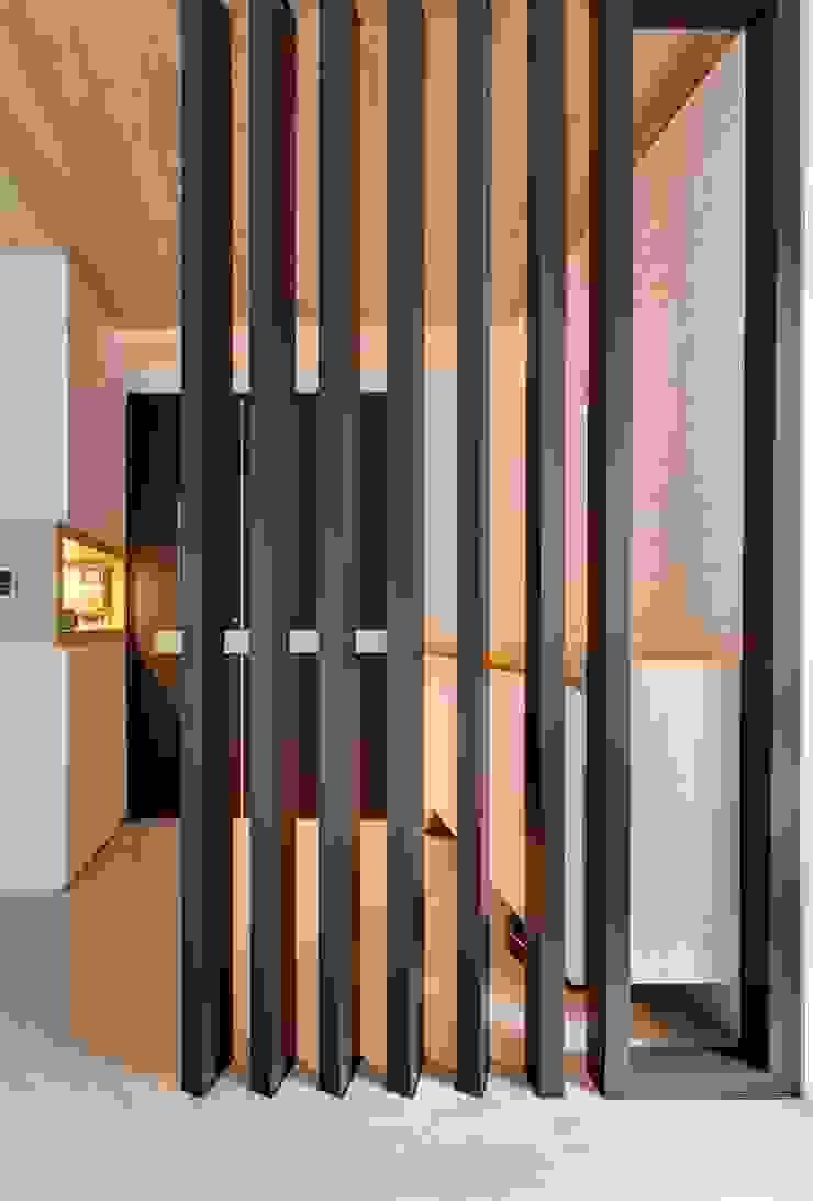內湖-公園錄 亞洲風玄關、階梯與走廊 根據 唯創空間設計公司 日式風、東方風