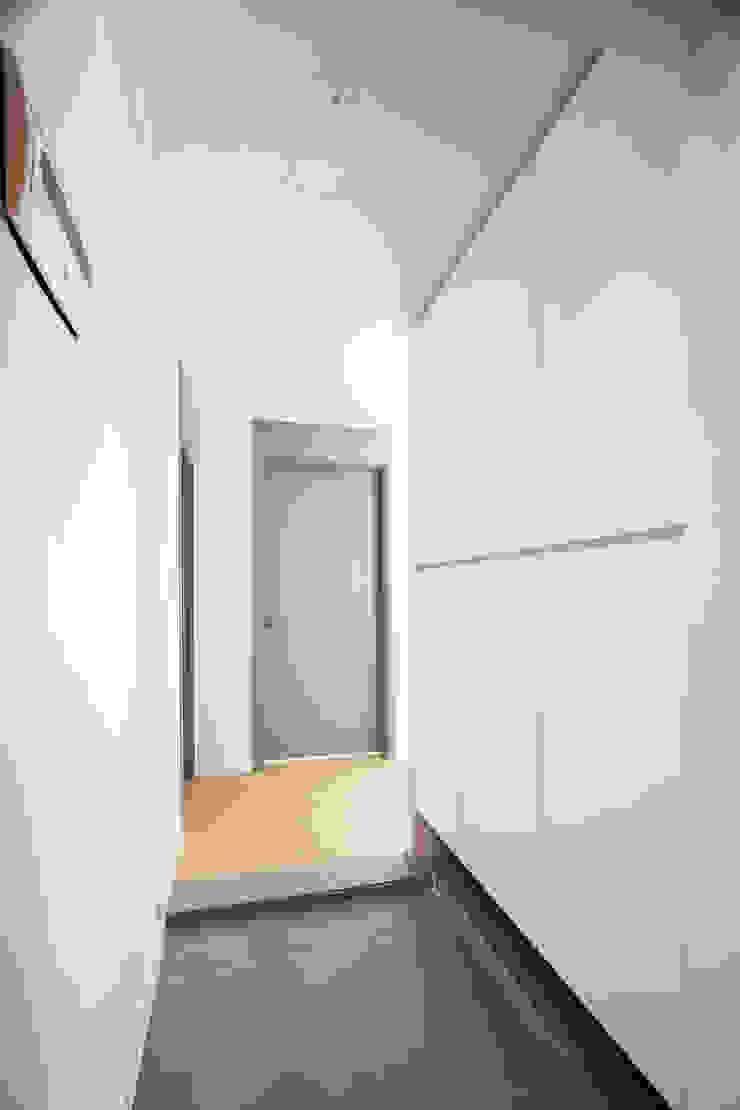 삼플러스 디자인 Ruang Keluarga Modern