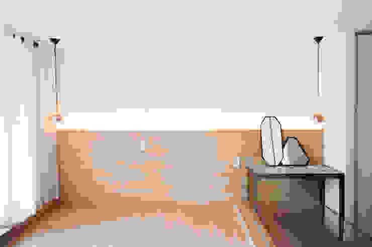 삼플러스 디자인 Ruang Ganti Modern