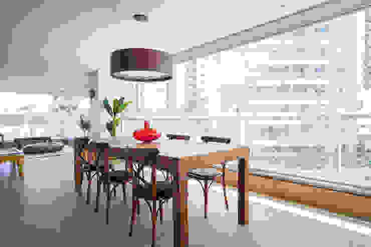 Moderner Balkon, Veranda & Terrasse von Casa Mansur Modern