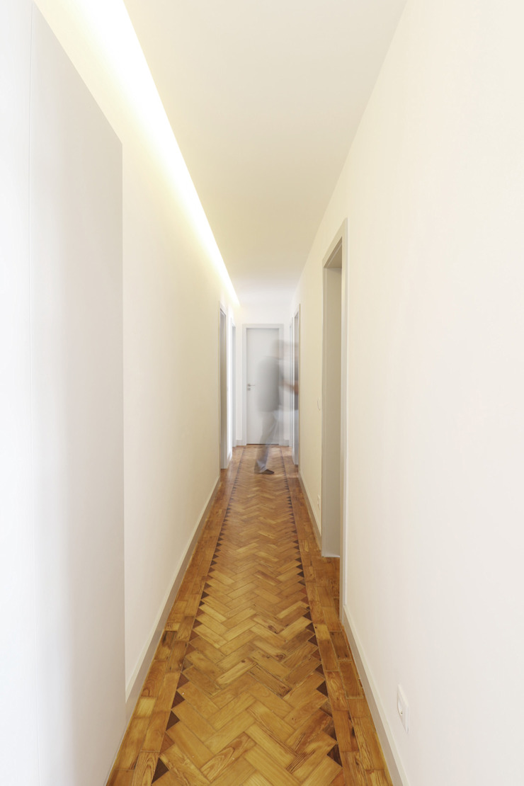 Modern Corridor, Hallway and Staircase by A+Architecture CIC Modern