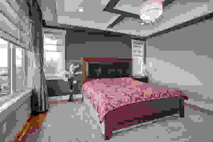 Dormitorios de estilo  por Sonata Design