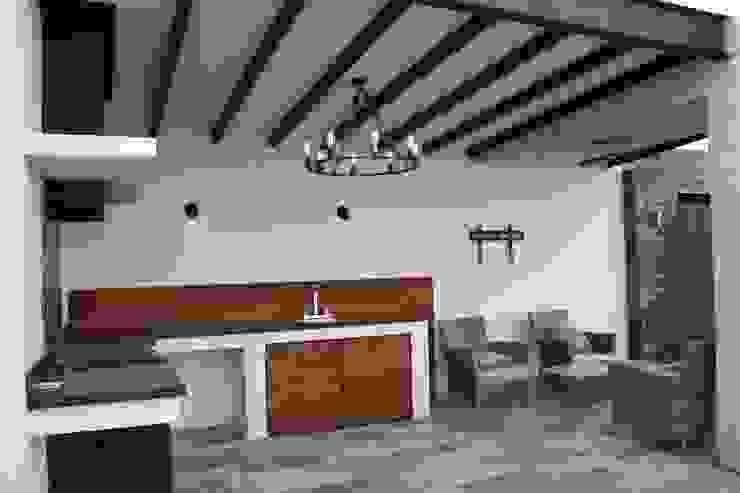 Hiên, sân thượng phong cách hiện đại bởi Daniel Teyechea, Arquitectura & Construccion Hiện đại