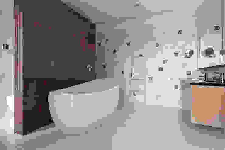 Bathroom by 光島室內設計, Minimalist