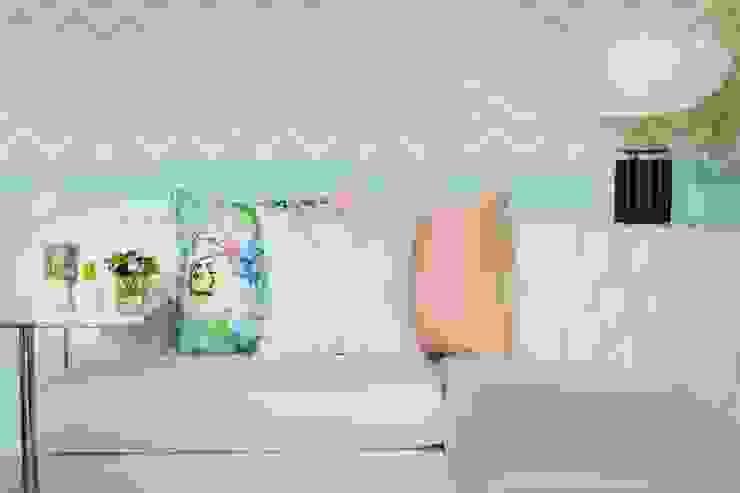 Living room by Interdesign Interiores