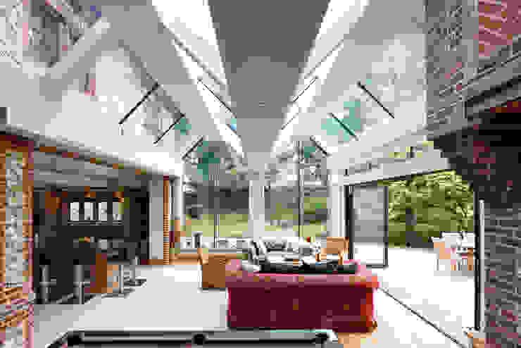 Internal photo Trombe Ltd Salas de estar modernas