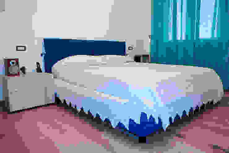 "<q class=""-first""> Starlight Stripe</q> Camera da letto minimalista di Luca Bucciantini Architettura d' interni Minimalista"