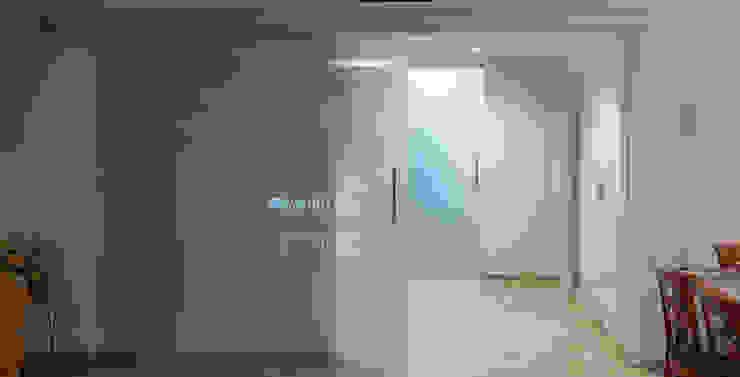 Minimalistyczne okna i drzwi od ARCOtectura Minimalistyczny