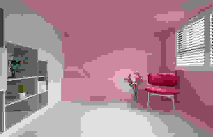 Minimalist bedroom by 磨設計 Minimalist