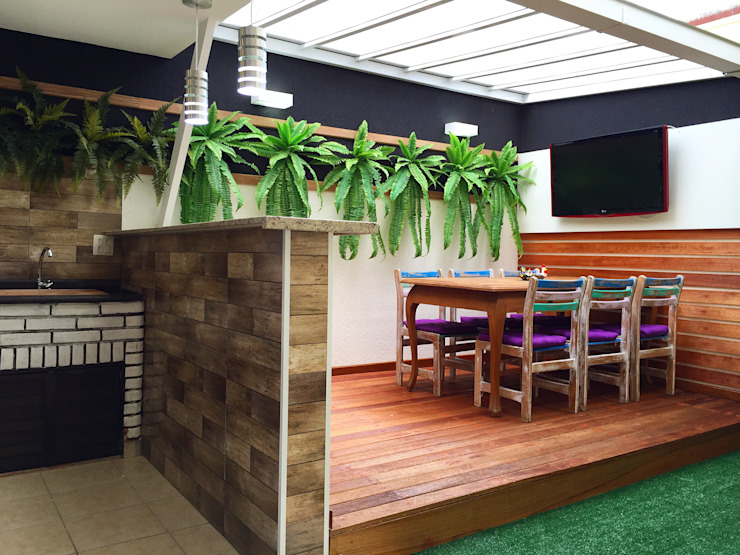 Tropical style balcony, veranda & terrace by Ariândina Lima Arquitetura Tropical Wood Wood effect