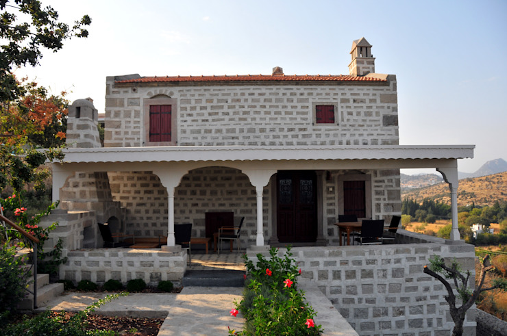 Mediterranean style houses by homify Mediterranean