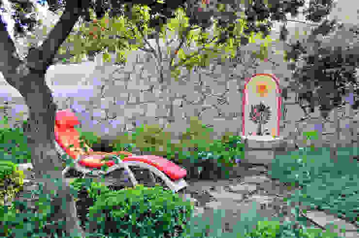 Jardines de estilo mediterráneo de homify Mediterráneo