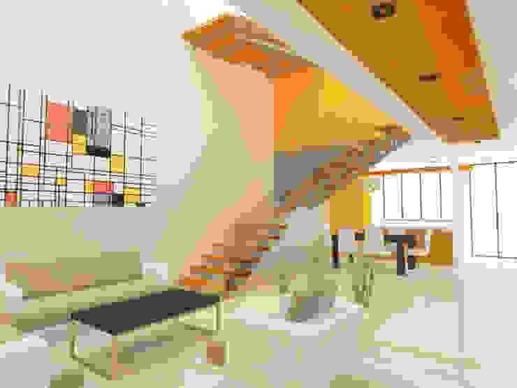 SALA/ESCALERAS Salones de estilo minimalista de DLR ARQUITECTURA/ DLR DISEÑO EN MADERA Minimalista