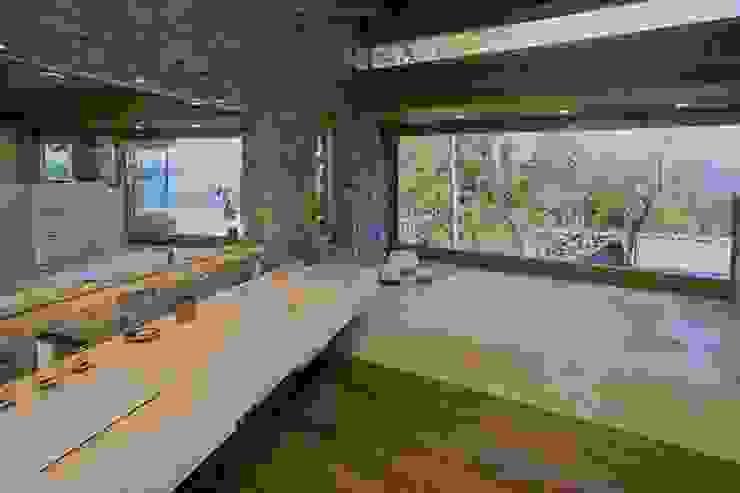 ห้องน้ำ โดย Sidoni&Asoc,