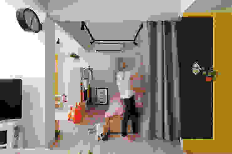 Corredores, halls e escadas escandinavos por 一葉藍朵設計家飾所 A Lentil Design Escandinavo
