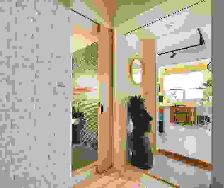 玄關/走廊/廁所 斯堪的納維亞風格的走廊,走廊和樓梯 根據 一葉藍朵設計家飾所 A Lentil Design 北歐風