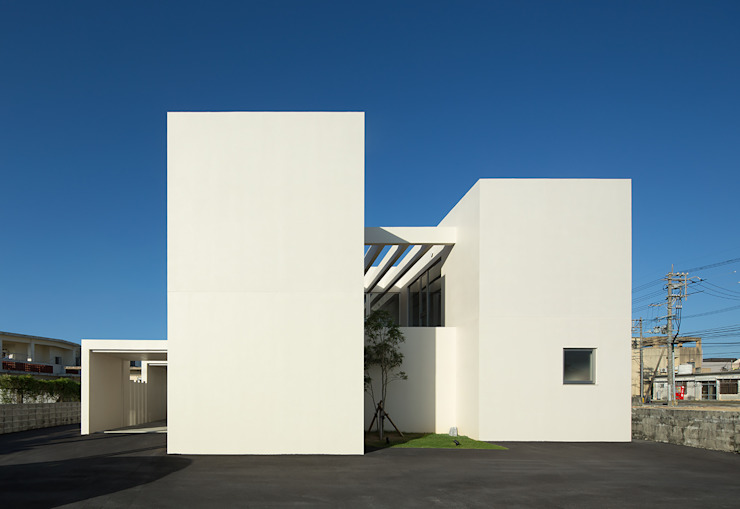 Atelier Square Rumah Modern Beton White
