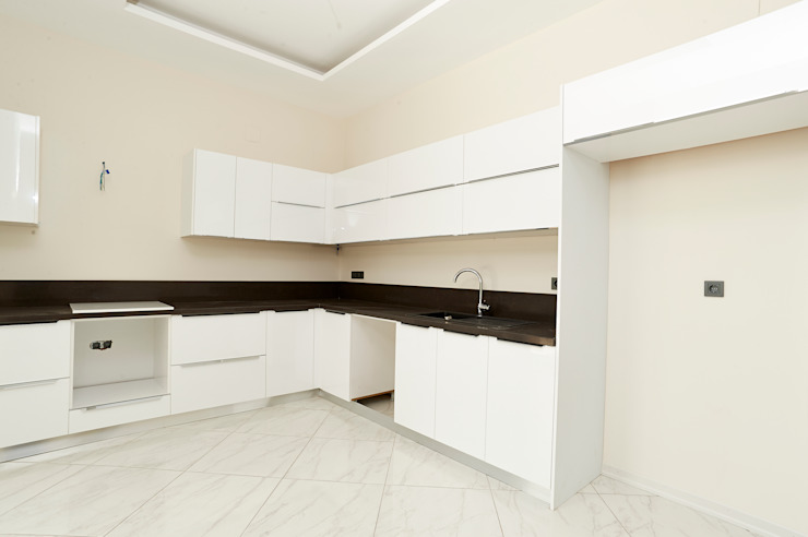 Modern kitchen by NAZZ Design Studio Modern