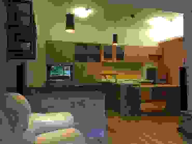 裝潢免百萬 實用機能宅 隨意取材風玄關、階梯與走廊 根據 捷士空間設計(省錢裝潢) 隨意取材風 塑木複合材料