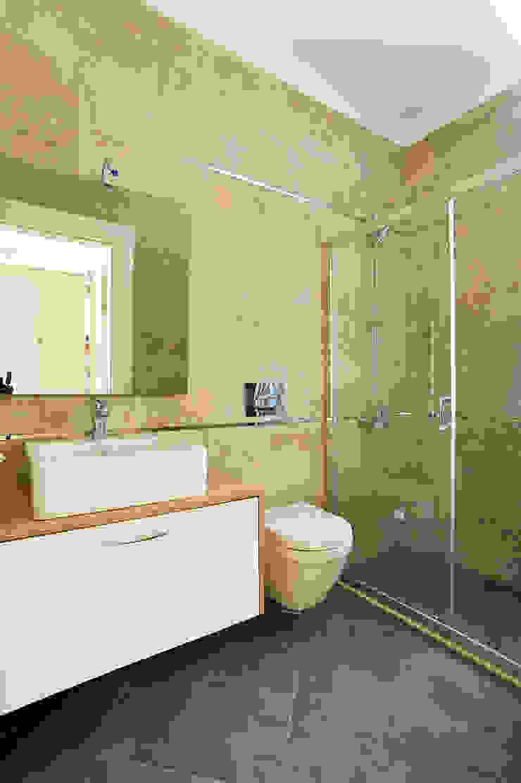 Modern bathroom by NAZZ Design Studio Modern